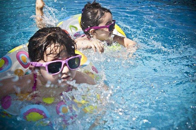 Quelques raisons de pratiquer la natation durant les vacances